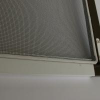 Kinnitusklambritega putukavõrk ,profiili  toonid: valge, pruun